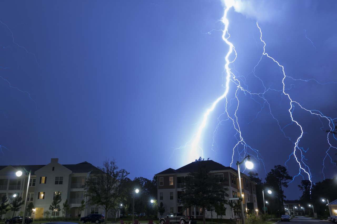 Lightning Strikes – Tips To Keep Your Family and House Safe