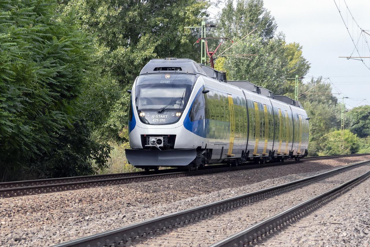 Goedkope treinkaartjes vinden voor een dagje uit kan slim zijn, je kunt snel en zonder gedoe besparen